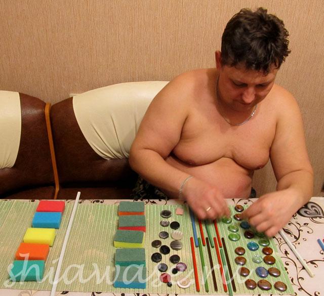 муж-делает-коврик