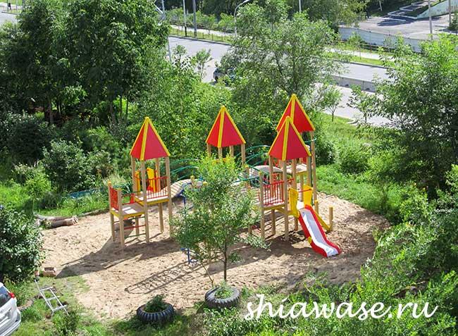 построили-детскую-площадку