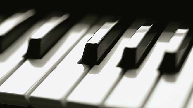 пальцы-словно-клавиши